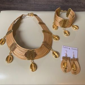 NWOT necklaces set African 3 Piece